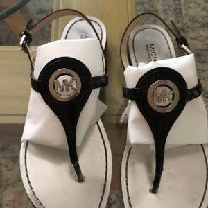 MK Michael Kors sandal sz 7.5 black/ silver